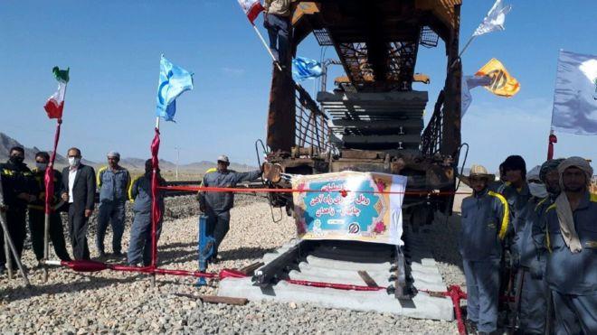 ایران ریل گذاری ۶۲۸ کیلومتر مسیر راه آهن زاهدان – چابهار را امروز آغاز کرده است