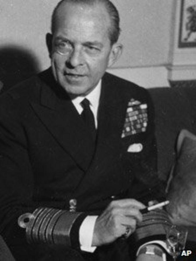 Король Павел Греческий в 1953 году