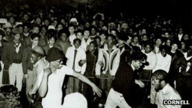 Толпа хип-хопа