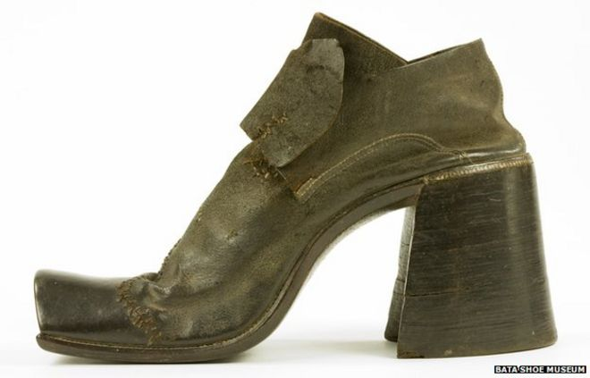 341fdb3f1cf Why did men stop wearing high heels? - BBC News