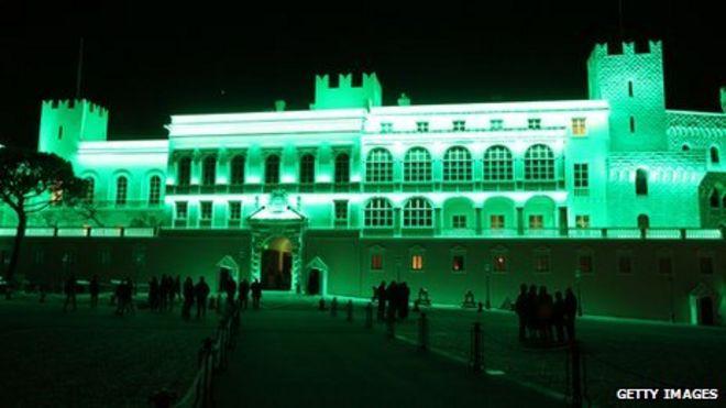 Княжеский дворец в Монако стал зеленым