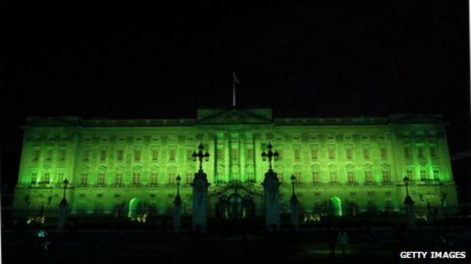 Компьютерный макет Букингемского дворца стал зеленым