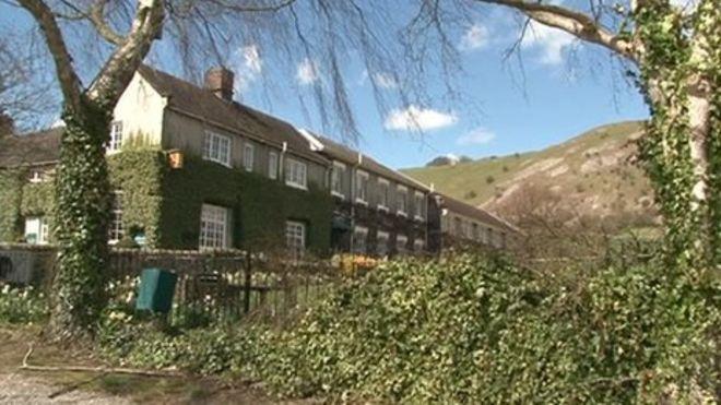 Peak District Wedding Venue Due To Reopen