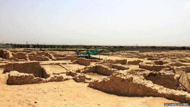 Bahrain digs unveil one of oldest civilisations - BBC News