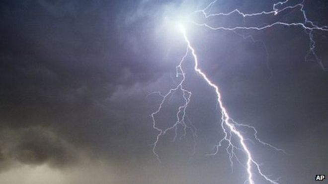 weather change from heat to rain brings thunder and lightning bbc news