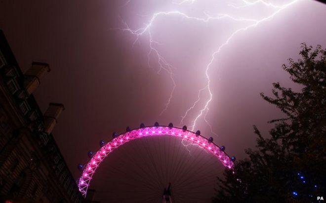 London Eye struck by lightning July 2013 & How do you recover from being struck by lightning? - BBC News