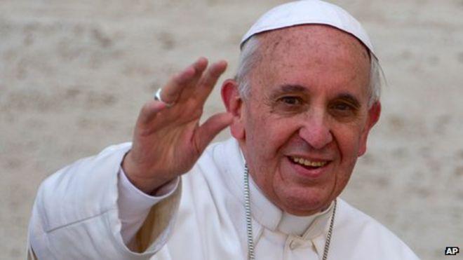 Папа Франциск говорит, что католическая церковь должна стремиться залечить раны.