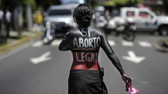 Участник кампании за право на аборт