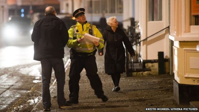 Дома на набережной в Аберистуите были эвакуированы в пятницу вечером