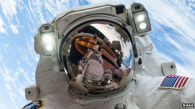 Space Station orbit to be screened live on Channel 4 - BBC News