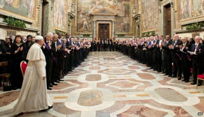 Папа Франциск встречается с послами в Святом Престоле в Ватикане в понедельник 13 января