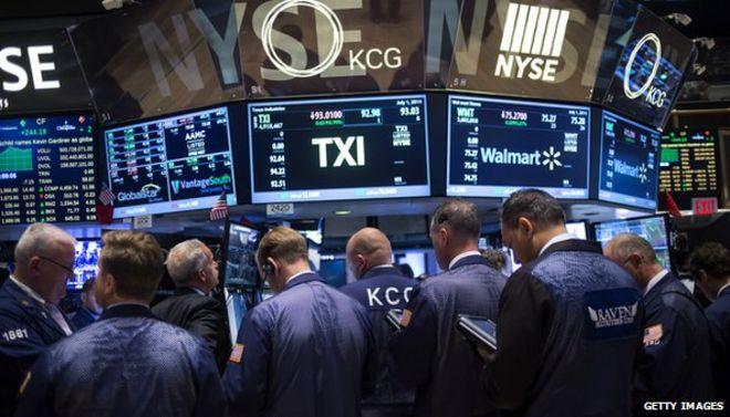 Dow snaps 3 day winning streak on trade worries