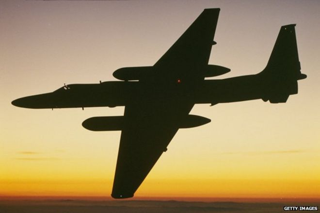 Lights in Norway's sky were spy planes - BBC News