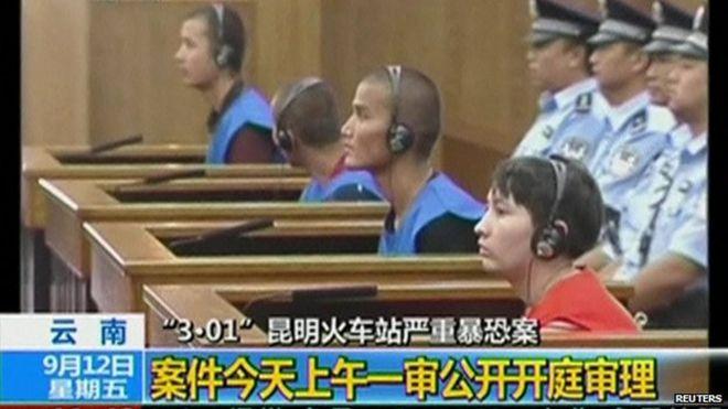 Trung Quốc tử hình ba người Duy Ngô Nhĩ vì cuộc tấn công năm ngoái ở Côn Minh