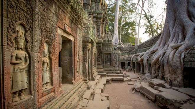 Beyond Angkor: How lasers revealed a lost city - BBC News