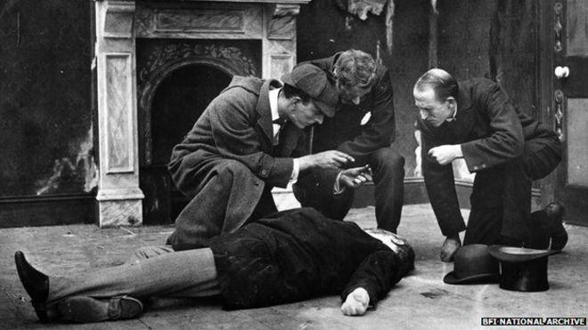 Sherlock Holmes en una de las versiones cinematográficas de las novelas de Conan-Doyle