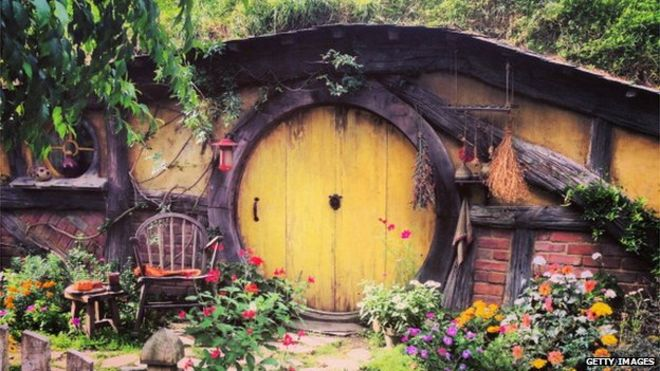 Hobbit House & Hobbit house camp gets £10000 from Redcar council - BBC News
