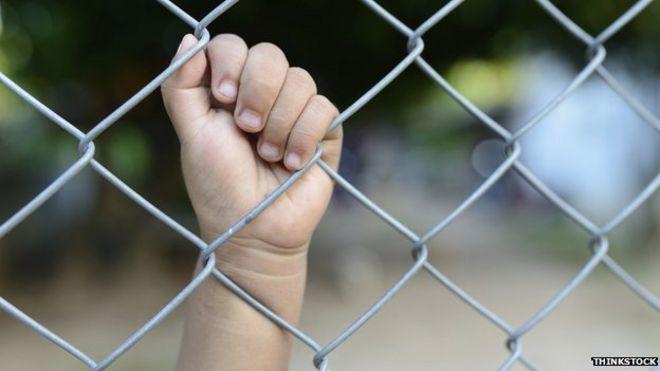 mother kids prisone ile ilgili görsel sonucu
