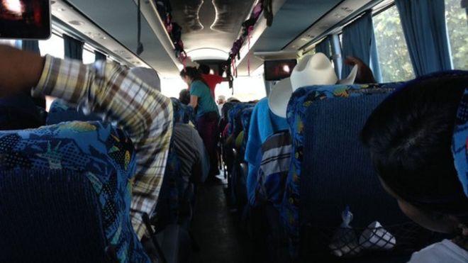 На борту одного из автобусов, который путешествовал по Мексике в знак протеста против исчезновения 43 студентов