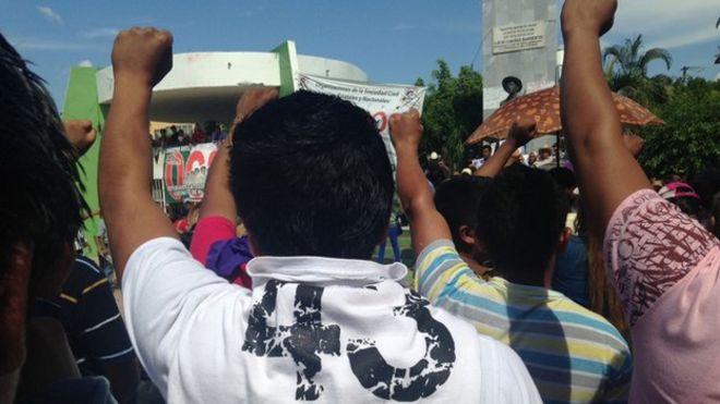 Акция протеста в Мексике от имени 43 пропавших студентов