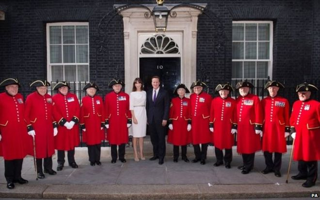 Political leaders christmas cards opt for different styles bbc news david camerons christmas card m4hsunfo