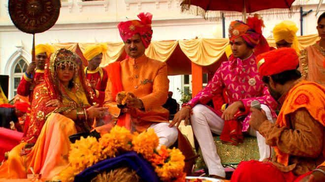 The lavish lifestyle of India's royalty - BBC News