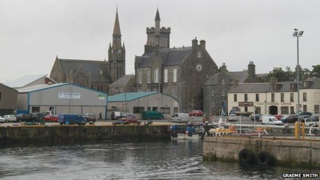 House prices rise in Scottish coastal towns - BBC News