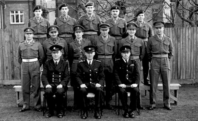 The last man to do National Service - BBC News