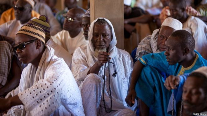 In pictures: Senegal's Mouride Islamic sect - BBC News