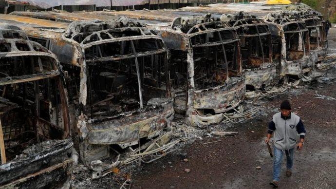 Autobuses quemados en La Paz.