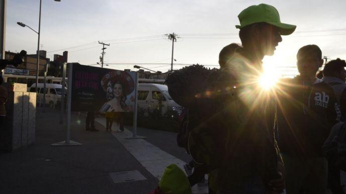 Migrantes de la caravana saliendo de Ciudad de México.
