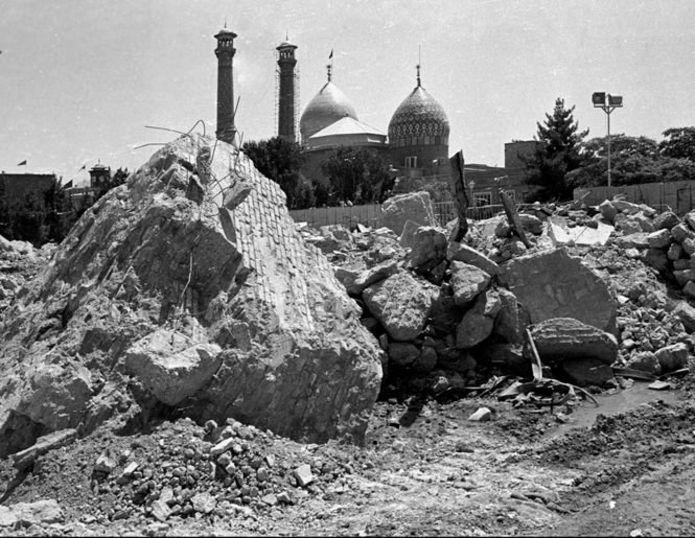مقبره تخریب شده رضا شاه در شهر ری