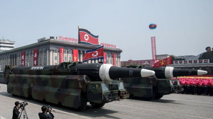 Nisan ayındaki askeri geçitte roketler