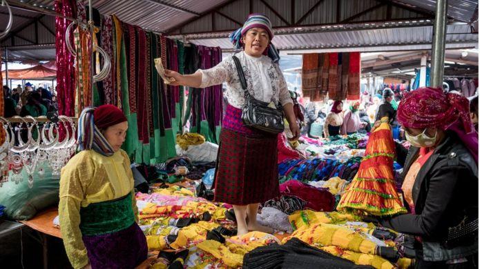 Phụ nữ Hmong Việt Nam