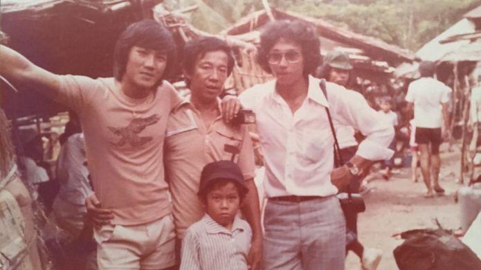 Alex Kusnadi cùng người tị nạn Việt