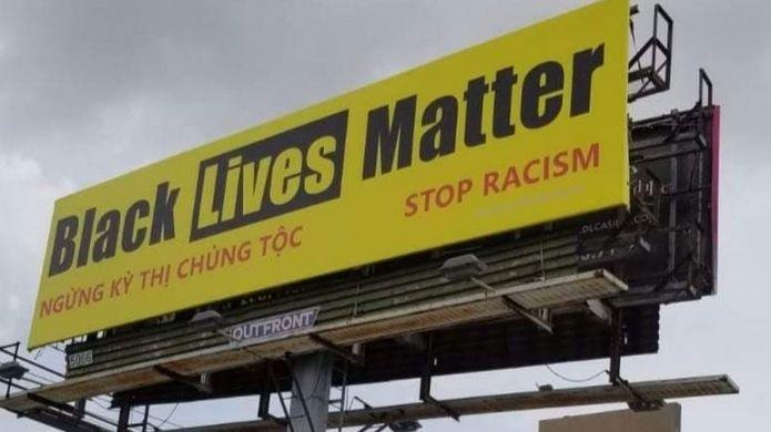 Tấm biển với dòng chữ Black Lives Matter gây ra rắc rối cho ông Lê Hoàng Nguyên