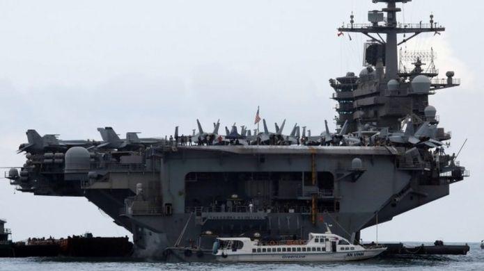 """क्याप्टेन क्रोजिअरले भनेका छन्: """"हामी युद्धमा छैनौँ। त्यसैले नौसेनिकहरू मर्ने अवस्था आउनु हुँदैन"""""""