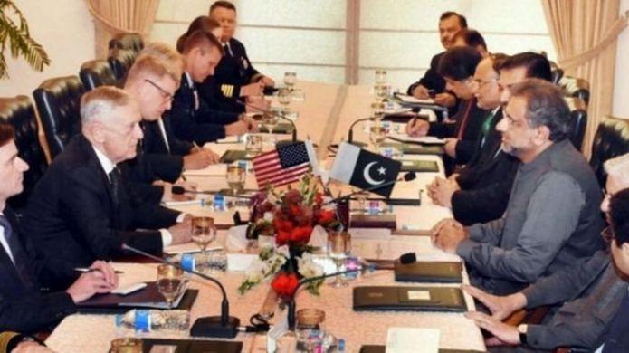 पाकिस्तानी और अमरीकी अधिकारी