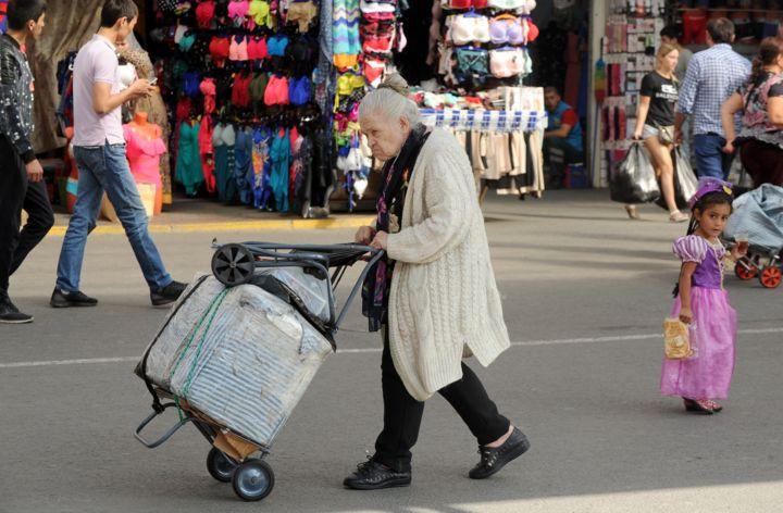 Сколько женщин в России могут дожить до новой пенсии. Графики