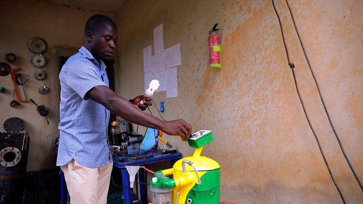 Nigerian man produce generator wey dey use water