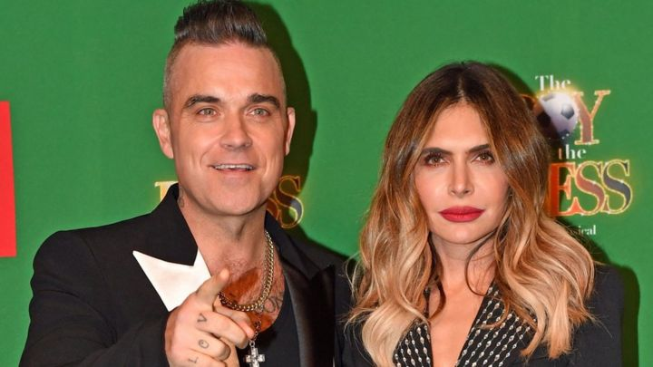 Robbie Williams And Wife Ayda Welcome Fourth Child Bbc News