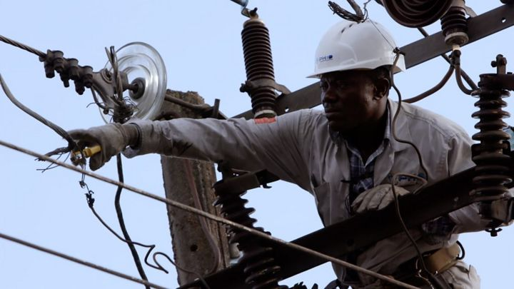 Africa Eye: On the front line of Nigeria's energy crisis