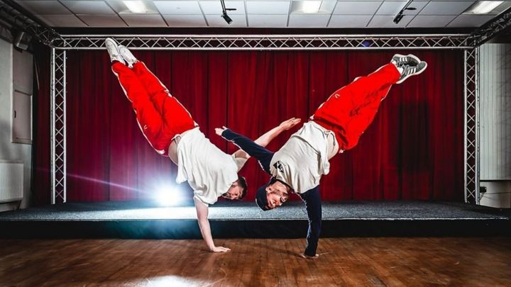 Mental health: How breakdancing classes can help