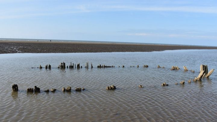 Shipwreck from 1854 found on Pensarn beach