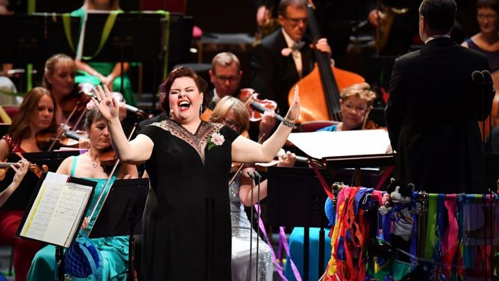 Proms 2019: Jamie Barton sings Over the Rainbow