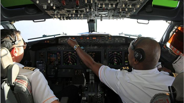 Airlines keeping safety training 'to an absolute minimum