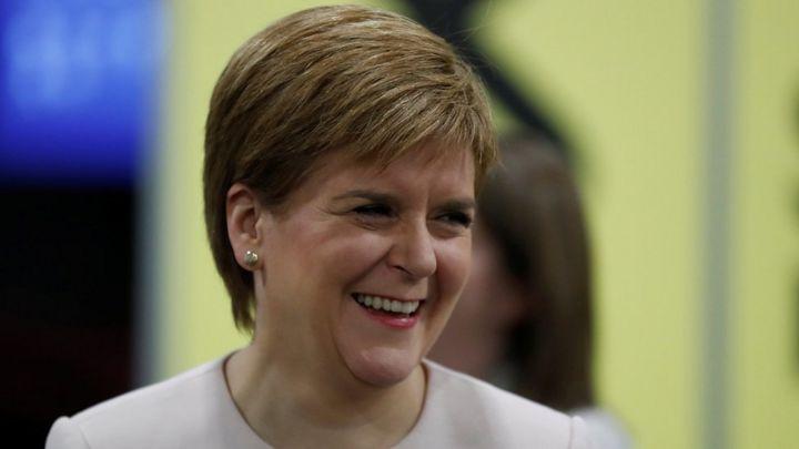 SNP conference: Nicola Sturgeon says indyref2 'must happen next year'