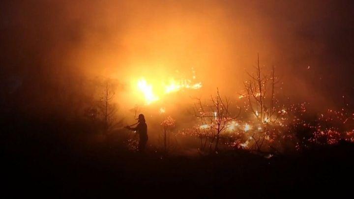 Greek island suffers 'terrible' wildfires