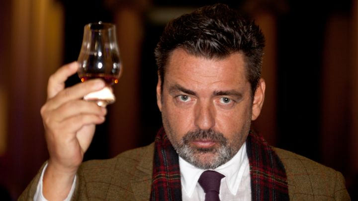 edinburgh international film festival closes with whisky galore