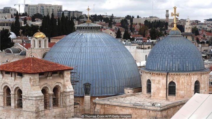 Hasil gambar untuk Gereja Makam Kudus